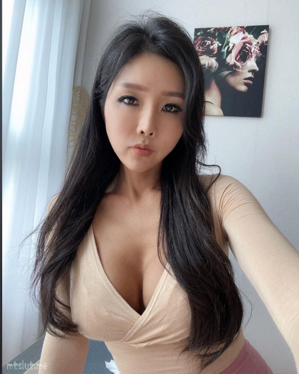 妹子图日刊 — 20210420