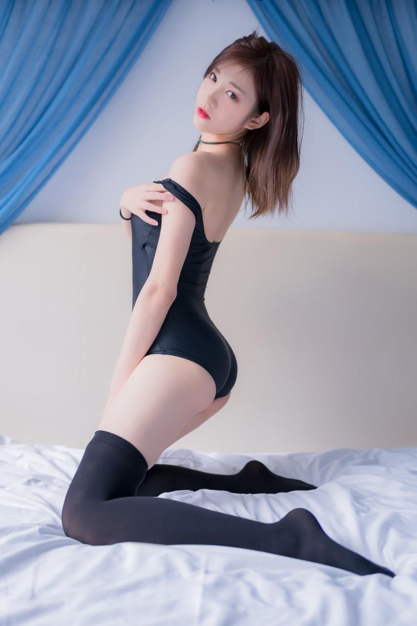 南桃Momoko 黑丝精灵性感私房主题 [25]
