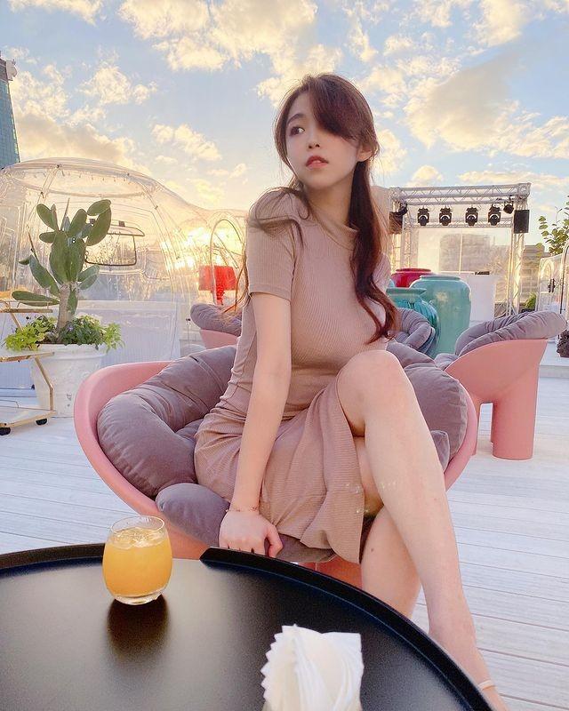 妹子图日刊 — 20210401