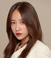윤나나 역